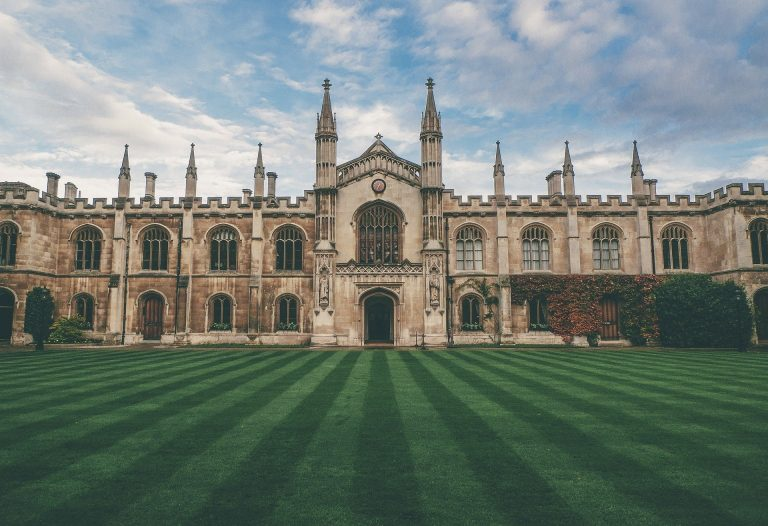 Top 4 University For Study In India With Fees